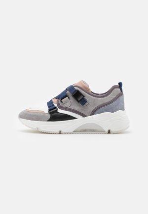 AMELIE - Sneakersy niskie - marino
