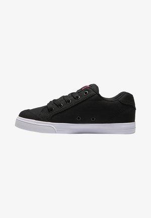 Sneakers laag - black pink stencil