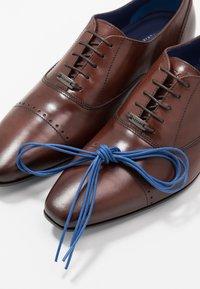 Azzaro - DOGME - Smart lace-ups - brandy - 5