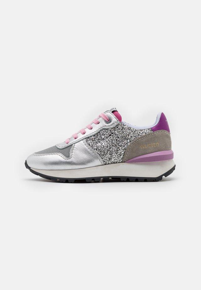 Sneakers laag - eclat lumiere/seúl gris