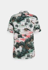 Tommy Hilfiger - HAWAIIAN - Shirt - sunset peach - 1