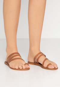 Office Wide Fit - SEVILLE WIDE FIT - T-bar sandals - tan - 0