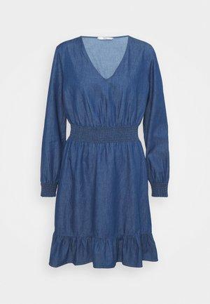 ONLSPACE SMOCK DRESS - Farkkumekko - dark blue denim