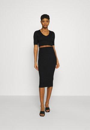 STRICK KNITWEAR SET - Pencil skirt - black