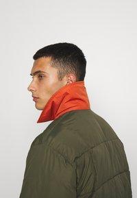 Volcom - HOBRO JACKET - Winter jacket - military - 5