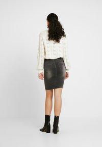 Noisy May Tall - NMBE LEXI TRIANGLE SKIRT - Pouzdrová sukně - medium grey denim - 2
