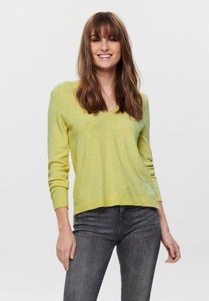 ONLLESLY NEW V-NECK - Stickad tröja - elfin yellow
