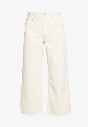 KIRI - Kalhoty - seedpearl white