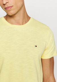 Tommy Hilfiger - SLUB TEE - Basic T-shirt - yellow - 5