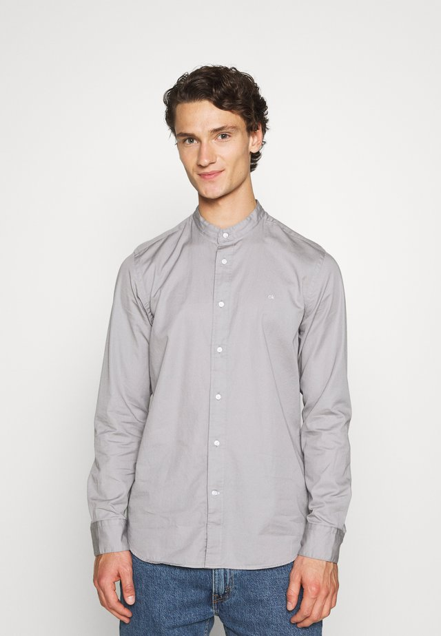 STAND COLLAR LIQUID TOUCH - Shirt - grey