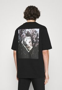 Trussardi - PICTURE - Print T-shirt - black - 0