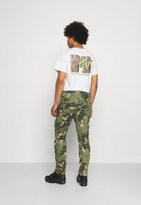 G-Star - ROVIC ZIP 3D STRAIGHT TAPERED - Cargo trousers - olive - 2