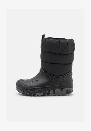 CLASSIC NEO PUFF UNISEX - Winter boots - black