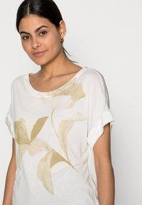 Esprit Collection - FLOWER - Print T-shirt - off white - 3