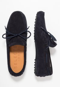 Selected Homme - SLHSERGIO DRIVE SHOE - Moccasins - dark navy - 1