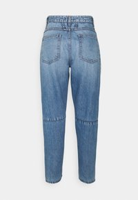 CLOSED - LENT - Relaxed fit jeans - mid blue - 1