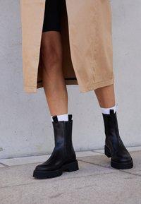 Kennel + Schmenger - POWER - Platform ankle boots - schwarz - 2