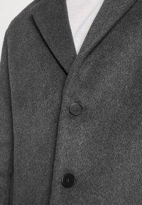 Bruuns Bazaar - JANUS COAT - Klasický kabát - dark grey - 6