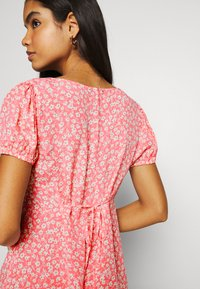 Cotton On - ESSENTIAL TIE BACK MINI TEA DRESS - Denní šaty - strawberry sorbet - 3