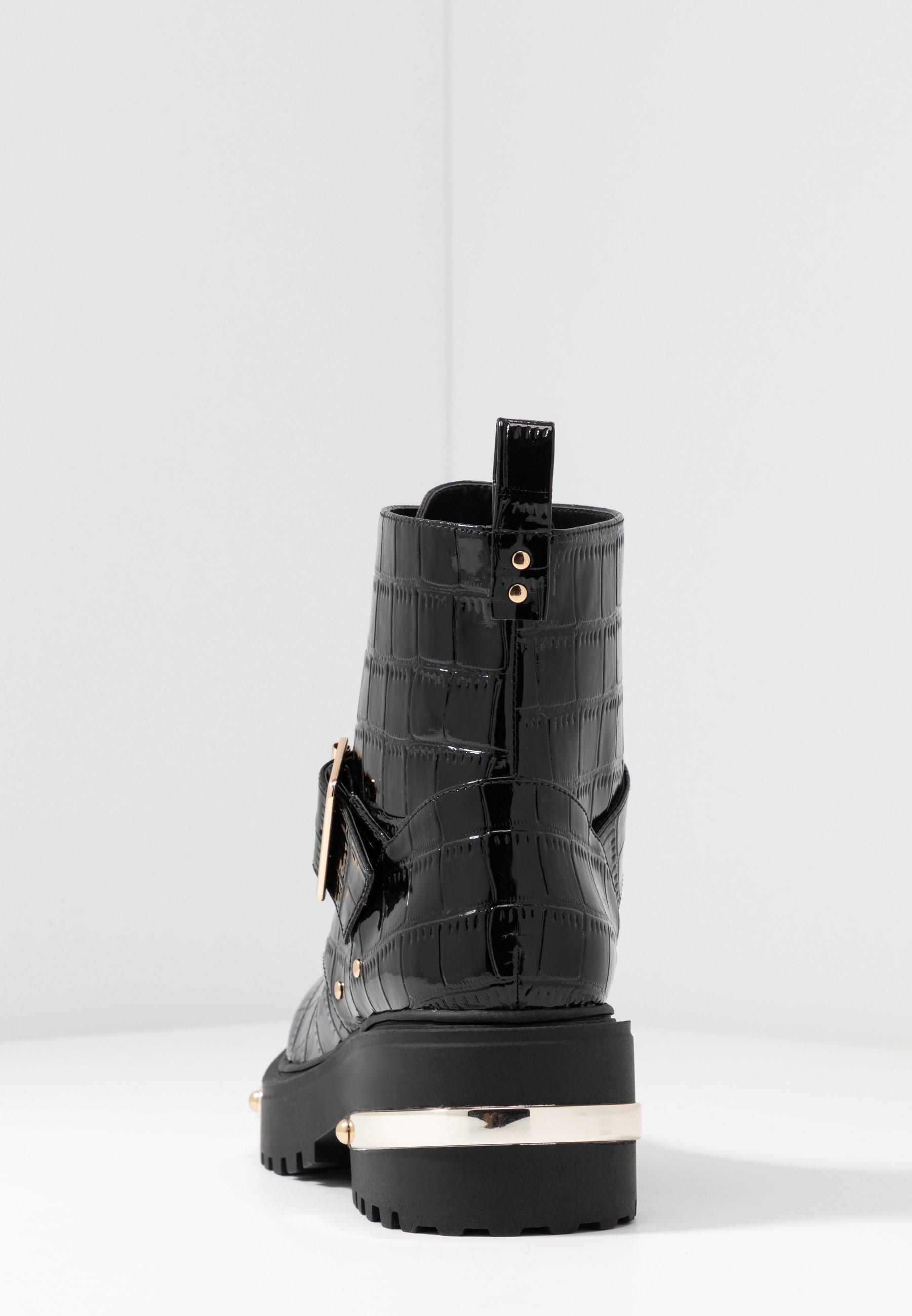 METAL DETAIL HIKING BOOT Enkellaarsjes met plateauzool black