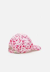 Puma Golf - WOMENS DOT DITSY - Cap - teaberry/bright white - 1