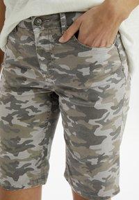 Cream - Denim shorts - grey camouflage - 3