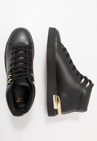 Ed Hardy - NEW BEAST TOP - High-top trainers - black/gold - 1