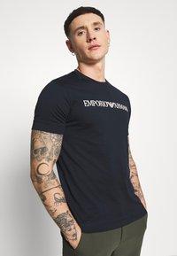 Emporio Armani - Print T-shirt - dark blue/white - 3