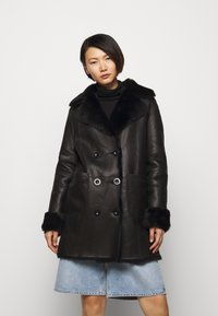 STUDIO ID - CAROLINE SHEARLING COAT - Classic coat - black - 0