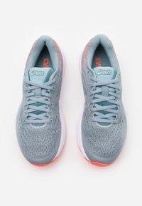 ASICS - GEL-CUMULUS 22 - Neutral running shoes - piedmont grey/light steel - 3