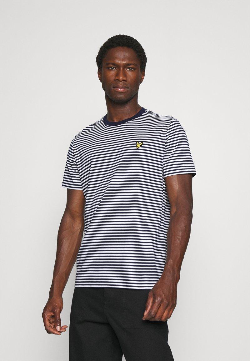 Lyle & Scott - COLOUR STRIPE - T-shirt med print - navy