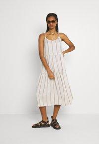 YAS - YASTRIMLA STRAP DRESS  - Korte jurk - tapioca - 1