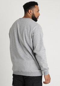 Urban Classics - CREW NECK - Sweatshirt - grey - 2