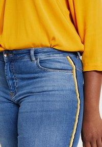Zizzi - JPOSH LONG AMY SUPER SLIM - Jeans Skinny Fit - blue denim - 4