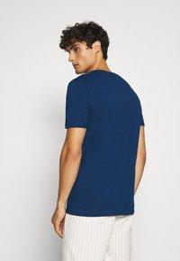 Lyle & Scott - T-shirt - bas - indigo - 2