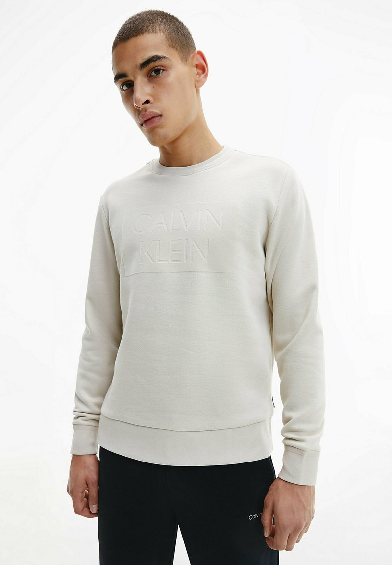 Calvin Klein - FLOCK BOX LOGO - Sweatshirt - bleached stone