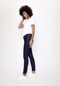 Five Fellas - GRACIA - Slim fit jeans - dunkelblau - 3