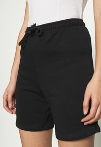 NA-KD - DRAWSTRING SHORTS - Shorts - black - 4