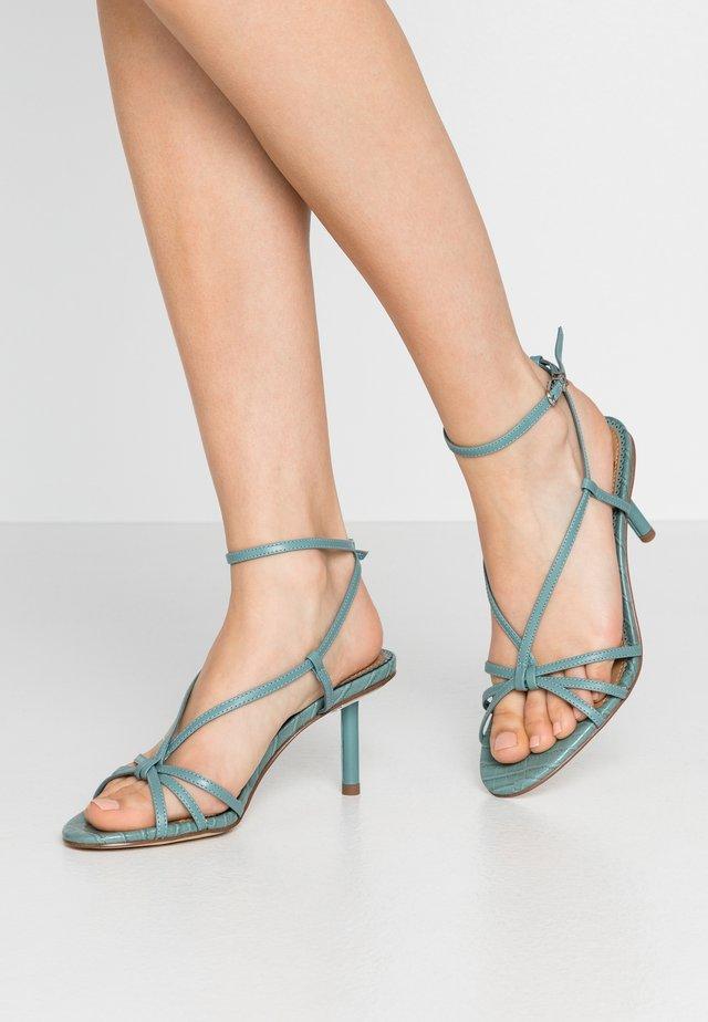 PIPPA - Sandaalit nilkkaremmillä - blue sage