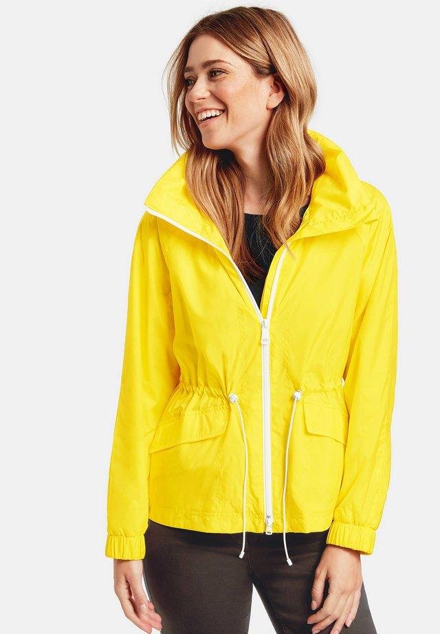 Outdoorjas - yellow