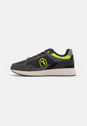 KEVIN KYOTO - Trainers - black