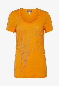 Icebreaker - TECH LITE SCOOP LEAF - T-shirt z nadrukiem - sun - 4