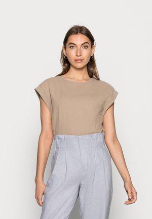 WINONA - Basic T-shirt - dune