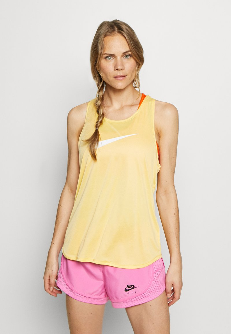 Nike Performance - TANK RUN - Camiseta de deporte - topaz gold/reflective silver