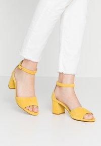 Fabienne Chapot - YASMINE - Sandals - sunflower yellow - 0