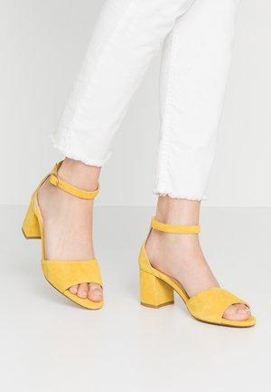 YASMINE - Sandalias - sunflower yellow