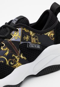 Versace Jeans Couture - Sneaker low - black/gold - 3