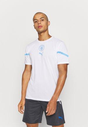 MANCHESTER CITY PREMATCH  - Football shirt - white/team light blue