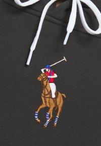 Polo Ralph Lauren - SEASONAL - Felpa con cappuccio - black mask - 5