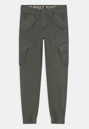 COMBAT - Pantaloni cargo - khaki